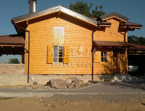 Drvena kuća Korana