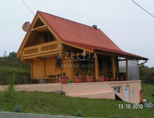 Drvena kuća Brezni