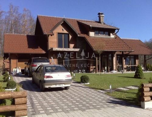 Drvena kuća Arijana